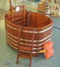 badebottich mit holzbeheiztem unterwasserofen 168 x 137 cm. Black Bedroom Furniture Sets. Home Design Ideas