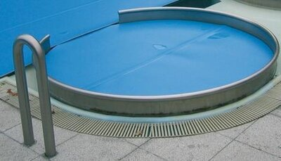Bieri isola abdeckung schwimmfolie preis pro m ab 15m for Schwimmfolie pool